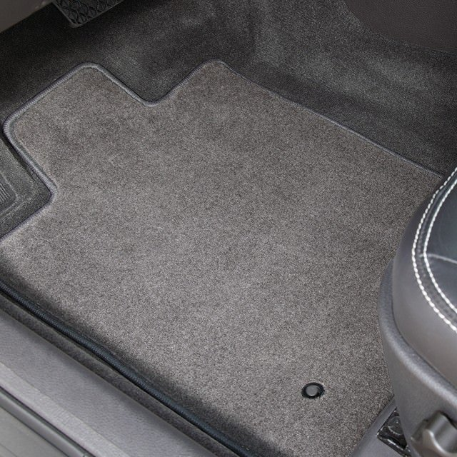 Truck Floor Mats >> The Best Custom Fit Floor Mats Cargo Liners Covercraft